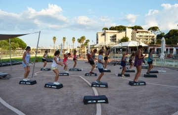cours step camping saint-aygulf plage